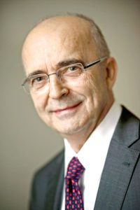 Dr hab. Mirosław Wyrzykowski, prof. UW, konstytucjonalista, sędzia TK w stanie spoczynku.